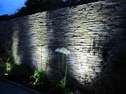 feature garden spot lights. Black Bedroom Furniture Sets. Home Design Ideas